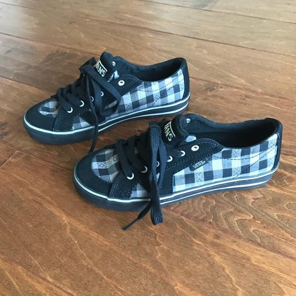 61fd86281a7484 Vans Black Canvas Tory SkateBoarding Sneakers 5.5.  M 5a3abfb650687c8ec604dbf0